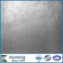 Placa de aluminio en relieve para instalaciones eléctricas