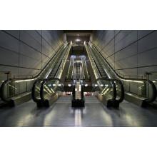 Escalera móvil de transporte público