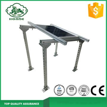 Système de montage de support de panneau solaire sur base en béton