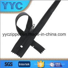 3 # C / E cremallera de nylon con hierro arriba y tapón inferior