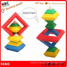 Os melhores brinquedos plásticos dos blocos de apartamentos