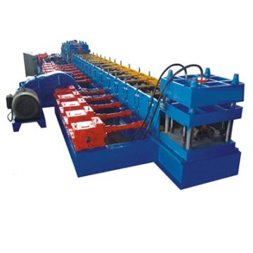 Rolo automático do guarda-estrada que dá forma à máquina