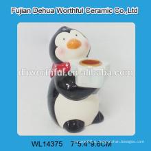 Керамический подсвечник ручной работы с дизайном пингвина