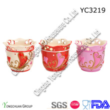 Crisol de cerámica pintado a mano en la promoción