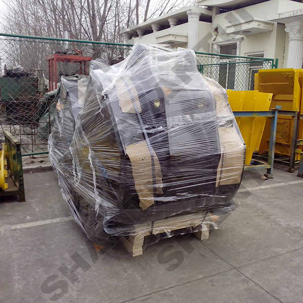 excavator bucket packing