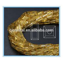El rectángulo de cristal de 4 * 8m m rebordea los granos de cristal para adornar