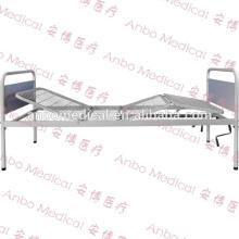 Dos funciones Cama de hospital con la tabla de la cama del puré