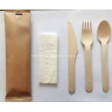 Cubiertos de madera desechables biodegradables ecológicos