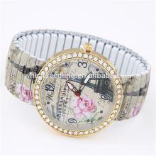 Yiwu proveedor scrawl casual flor elástica granos último diseño damas de fantasía relojes