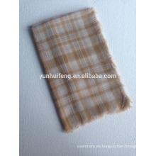 Mantón cuadrado de lana soluble en agua muy suave