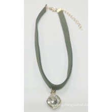 Fashion Choker with Crystal Color Stone