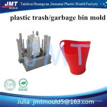 cubo de basura de plástico con ruedas