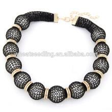 Collier de perles de dentelle classique