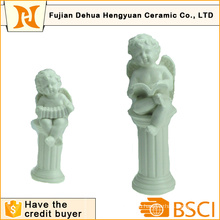 Керамический угольник формы для украшения дома