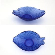 Fischförmige Glasschale mit tiefblauer Farbe