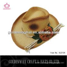 Sombrero de vaquero de ganchillo de paja de las mujeres con la flor