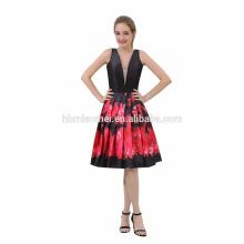 Le dernier cou élégant élégant de cou de V profond avec la robe de dîner de soirée de fleur