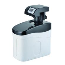 Descalcificador de agua del gabinete bajo el fregadero residencial 800L / H