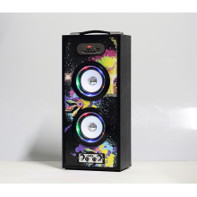 Multifunktionaler portabler Multimedia-Lautsprecher mit Mikrofoneingang