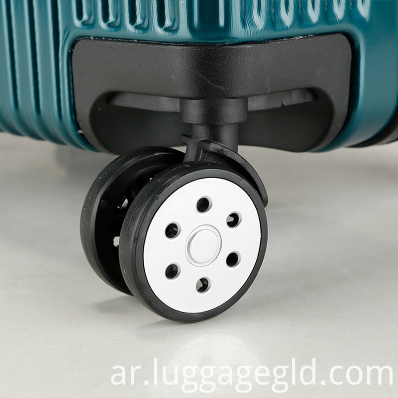 4 wheel spineer luggage