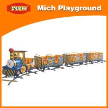 Treino engraçado das crianças para o parque de diversões (1185C)