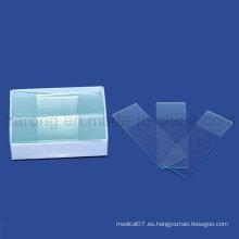 Toboganes desechables para microscopio usados en el laboratorio