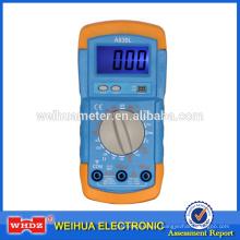 Multímetro digital de baixo preço A830L com testador de bateria de luz de fundo