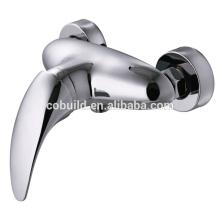 KTM-10 accesorios de bañera más nuevos cara montada grifo de la ducha, baño baño grifo de ducha de latón cromado montado en la cara grifo