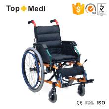 Suprimentos para terapia de reabilitação Topmedi assento confortável cadeira de rodas manual de alumínio para crianças