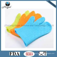 Venta al por mayor tres dedos de caucho de silicona guante para cocinar Sg11