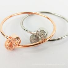 Wholesale custom simple clover bracelet women shiny diamond bracelet bracelet