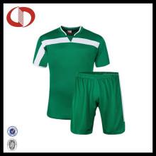 Großhandelsneue Art und Weise trocknen passender Fußball Jersey für Jungen