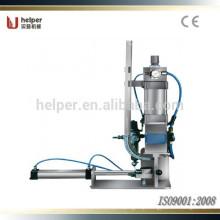 Pneumatic stretching single clipping machine