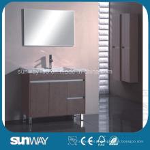 Vaqueira de banheiro de melamina em assoalho com gabinete de espelho