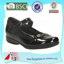 Удобная изящная детская школьная обувь для девочек