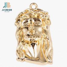 Pendente feito sob encomenda de Jesus do ouro novo de liga de zinco do projeto no metal para o presente