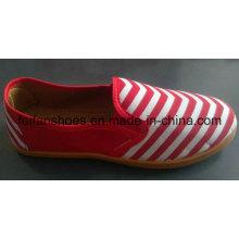 Estoque de calçados de lona cor mais recente barato boa qualidade Mix (FF521-1)