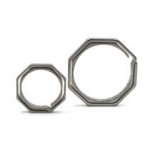 Porte-clés en métal sur mesure avec anneau octogonal en titane portable