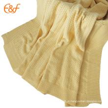 Cobertura de viagens de todos os tempos para adultos também é usada para cobrir cama única