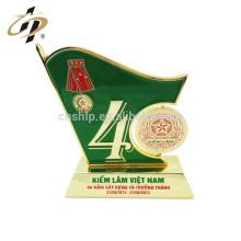 En gros pas cher personnalisé design créatif drapeau National Day anniversaire souvenir cadeaux trophée tasse