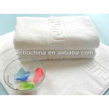 Hot vendendo logotipo personalizado disponível branco puro 100% algodão hotel e motel toalhas