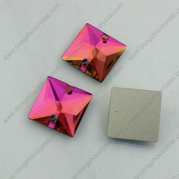 Quadratische flache Rückseite Glasperlen mit Loch