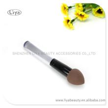 2015 heißen Verkauf Make-up Schwamm Bürste mit kümmert sich das individuelle Logo gemacht