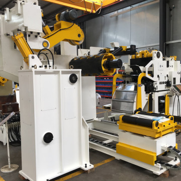 Combined Straightener Feeder Systems Für progressive Matrizen