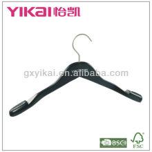 Матовая черная деревянная вешалка с вырезами