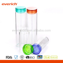 Taza de cristal con la tapa plástica, taza de cristal clara del agua