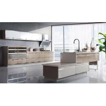 Cabinet de cuisine à projets économique et pratique