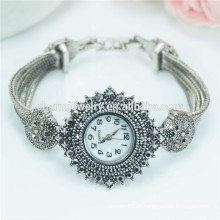 Moda de luxo nova moda personalizado relógio de pulso de quartzo para as mulheres B038
