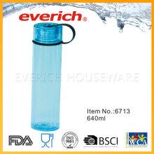 Reutilización de botellas de plástico transparente con tapa redonda