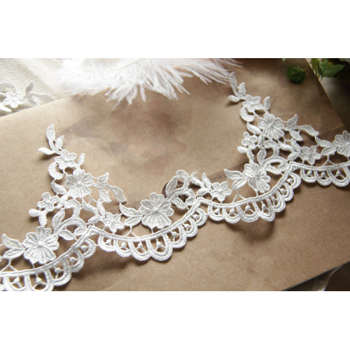 Polyester 3D Flower Sewing Lace Stickerei